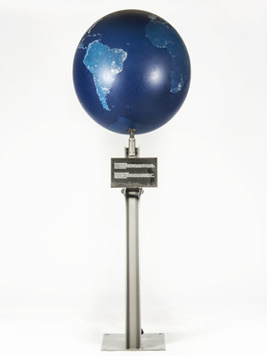 Museon Globe on stand