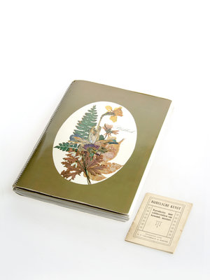 Bijbels Museum Scrapbook full of art and Christmas cards