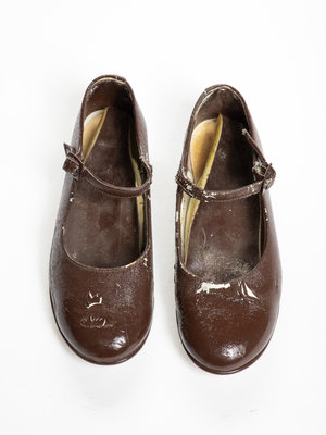 Verhalenwerf Lacquered shoes for kids