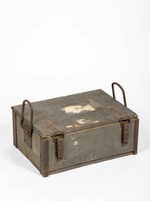 Verhalenwerf Antique wooden box