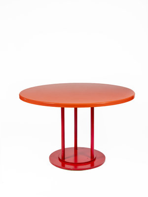 Universiteitsmuseum Utrecht Round red table
