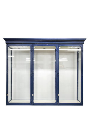 Universiteitsmuseum Utrecht Blue display cabinet