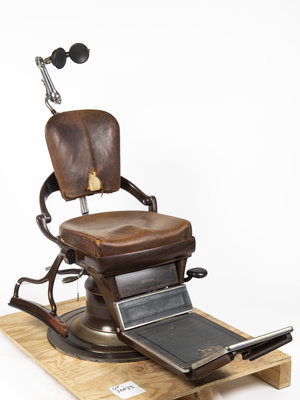 Universiteitsmuseum Utrecht Antique Ritter dental chair