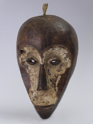 Amsterdam Pipe Museum Carved African mask