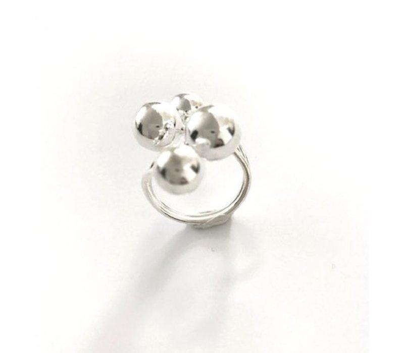 Ring, model 4-BOLLEN, zilver, Eigen Collectie