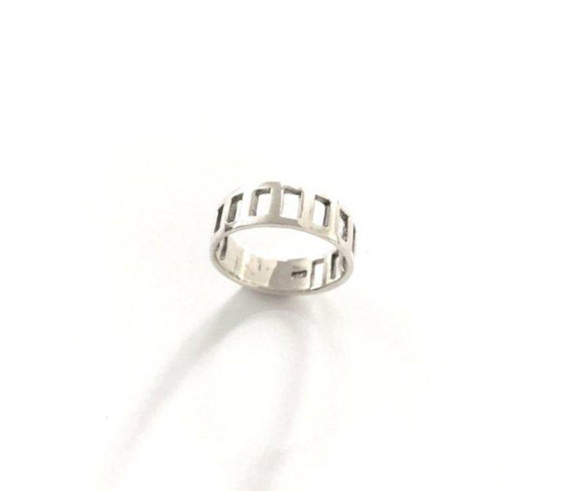 Ring, model UITSPARING, zilver, Eigen Collectie