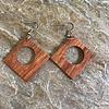 Eigen Collectie Oorbellen, model BRUIN VIERKANT, hout, Eigen Collectie