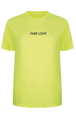 FAKE LOVE TEE NEON