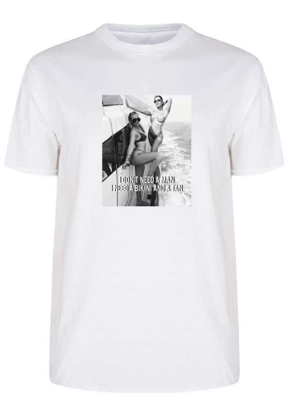 DON'T NEED A MAN PHOTO TEE