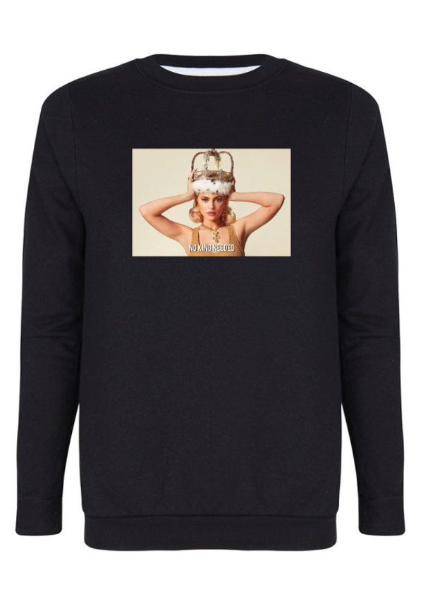 NO KING NEEDED PHOTO SWEATER