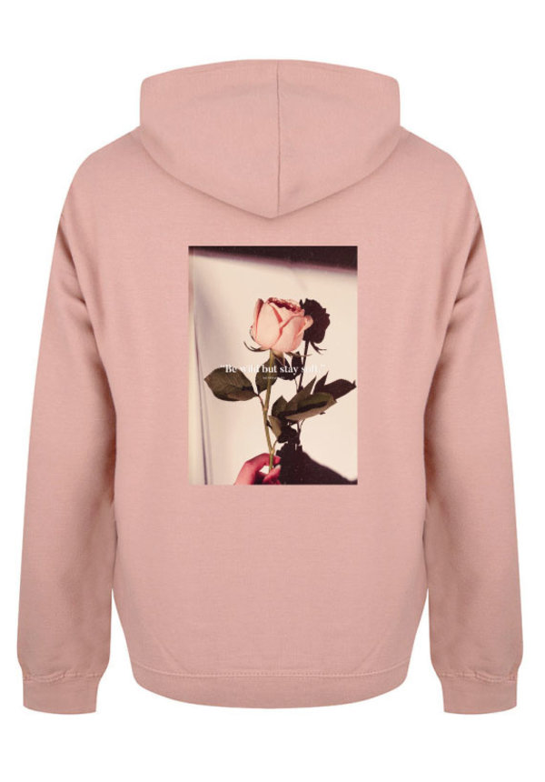 BE WILD STAY SOFT PHOTO HOODIE DUSTY ROSE