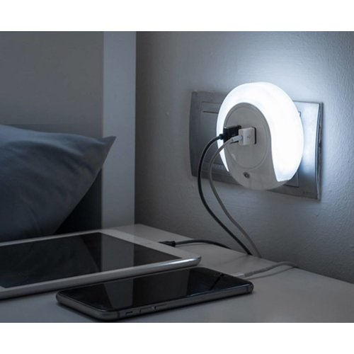 Night light with two USB ports
