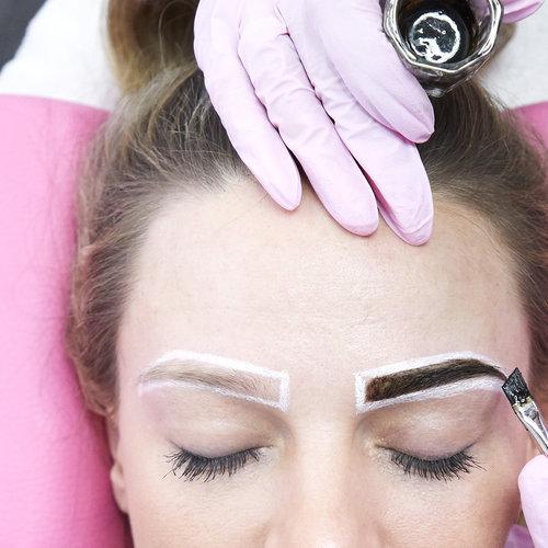 Wenkbrauwen verven met Henna - Henna Brows