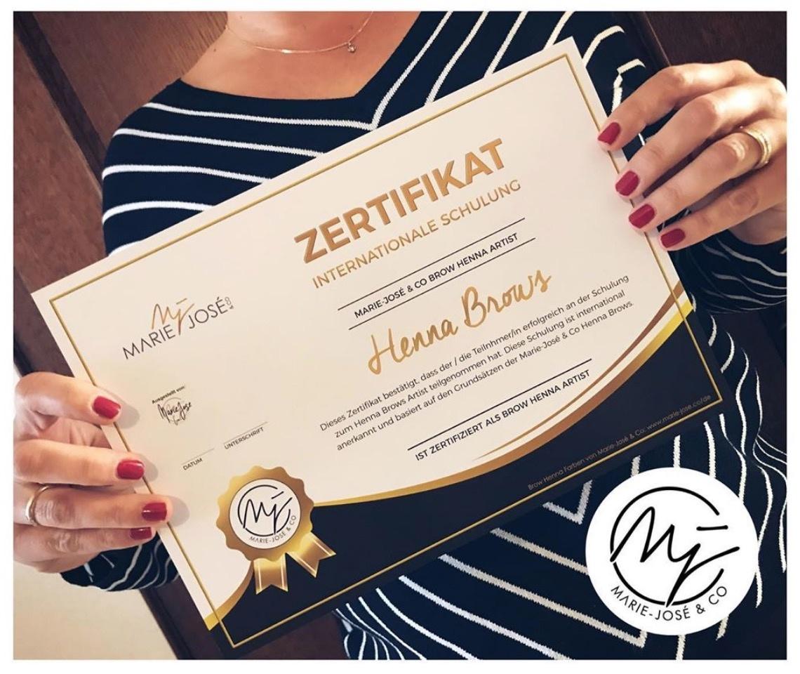 Henna Brows Zertifikat Augenbrauen Henna färben