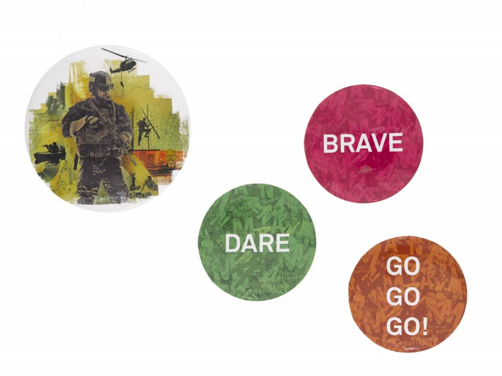 Special Forces Button Badge Green Dare