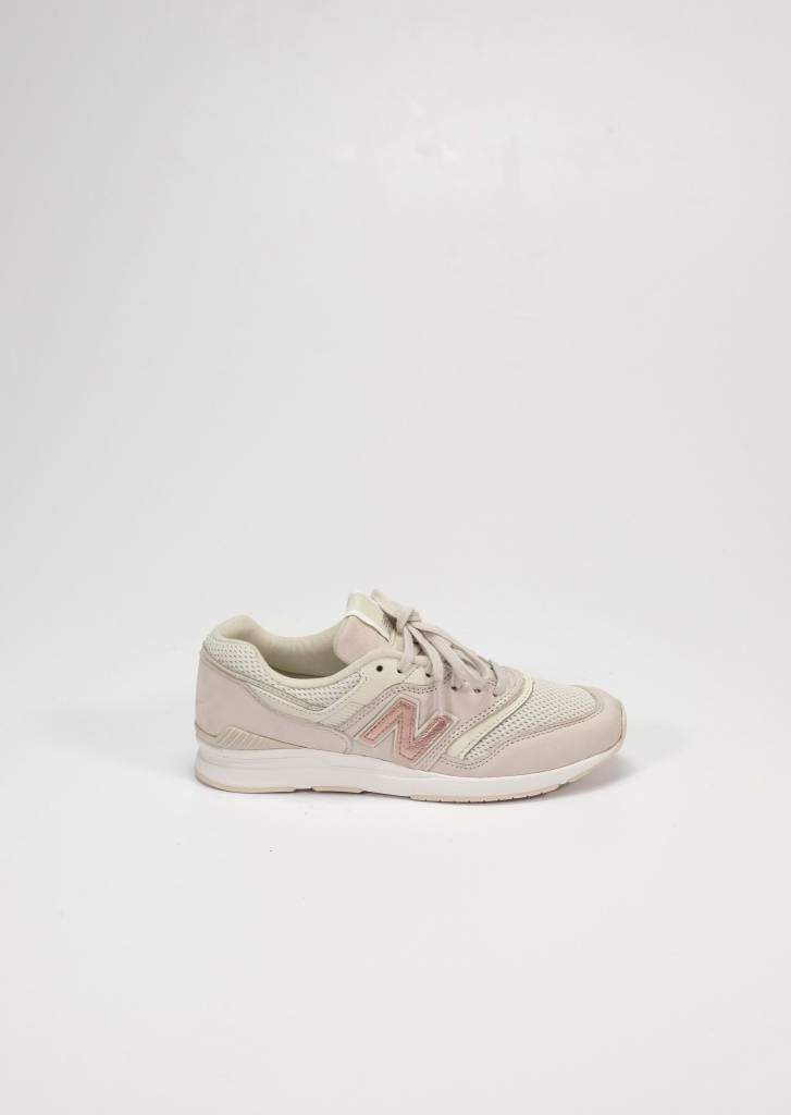 New Balance New Balance 697 Moonbeam