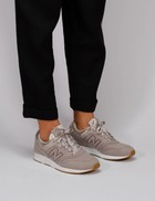 Factory Store New balance 697 pearl
