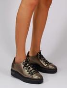 Licia bronze