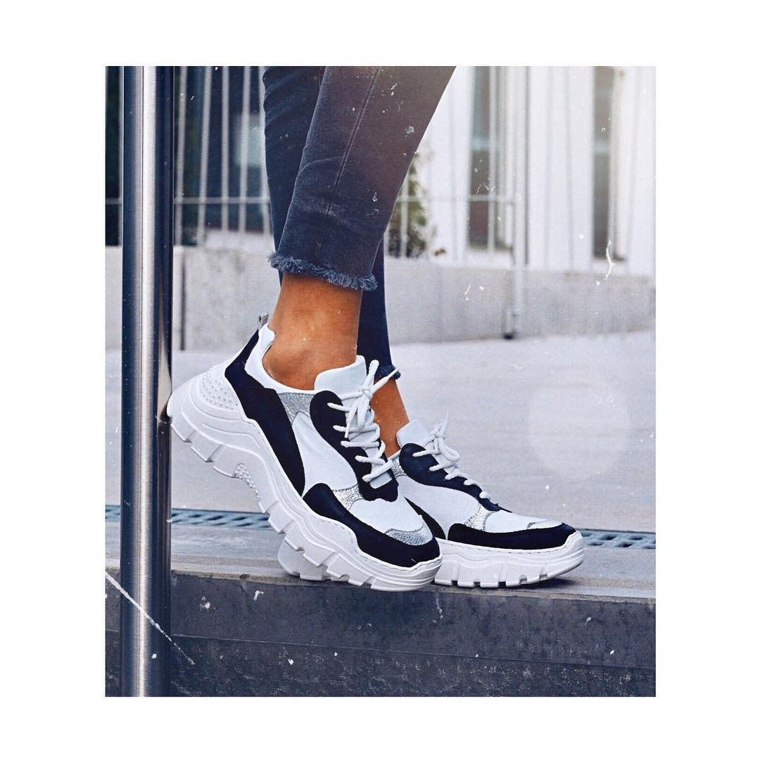 Factory Store Solène Black & White