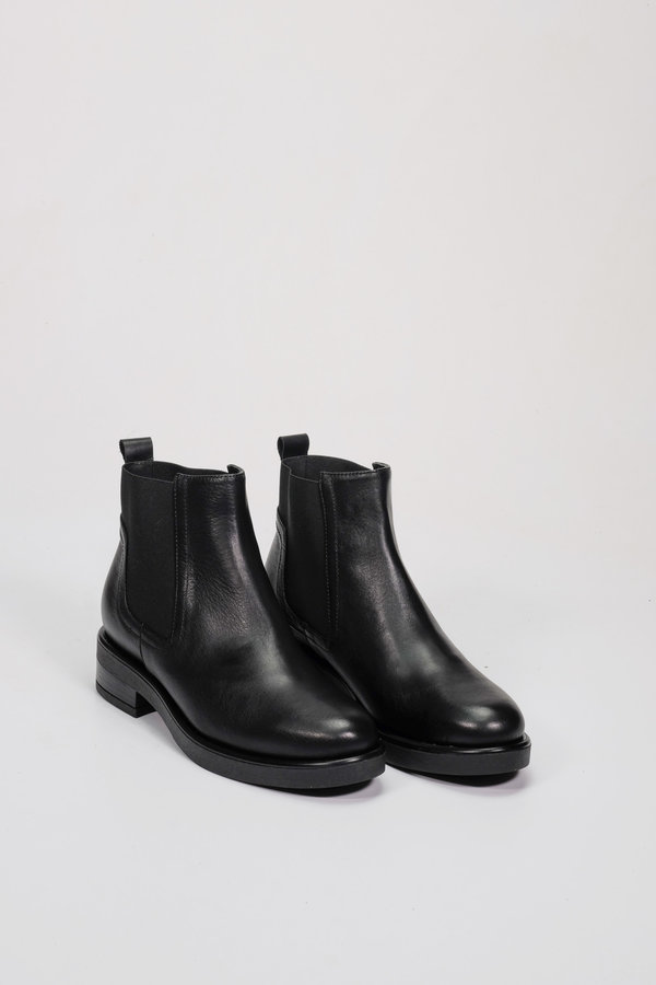 Factory Store Gine Black