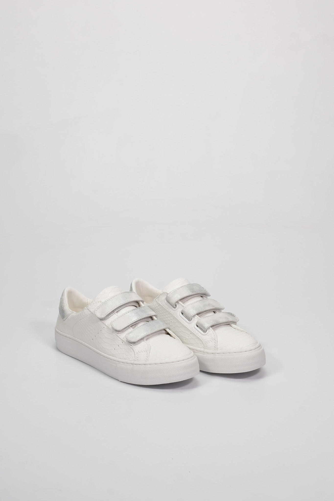 Factory Store Arcade straps all white