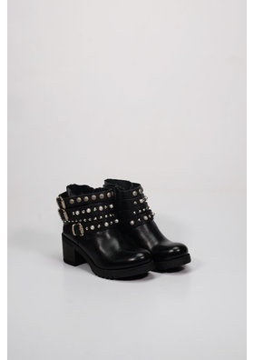 Factory Store Emy Black Studs