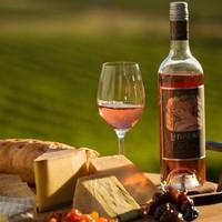 Y at-il quelque chose de mieux qu'une bonne classe de vin pendant la soirée?