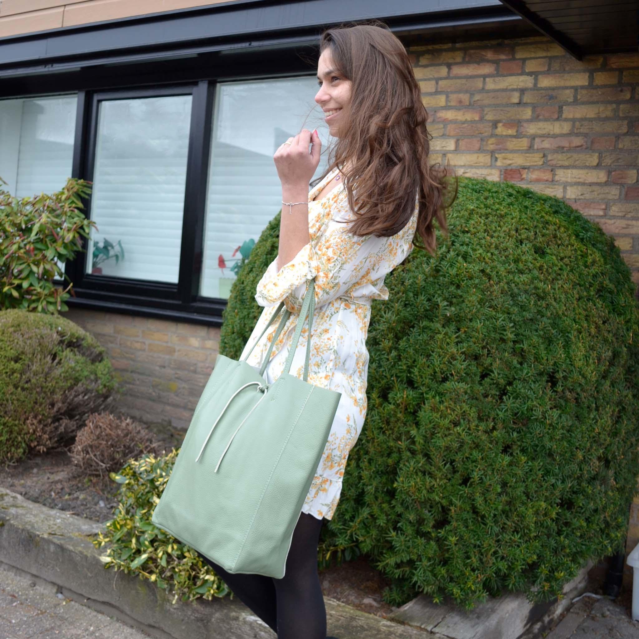 Lily Lederen shopper