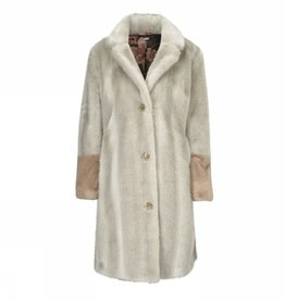 Gustav Coat fur