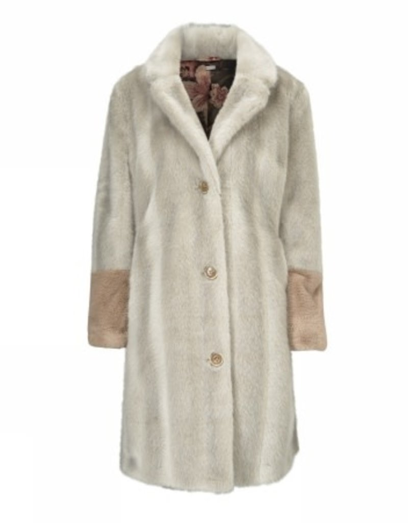 Gustav Coat fur
