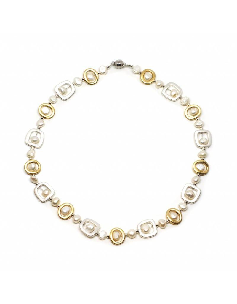 Necklace with Freshwater Pearls Silver and Gold