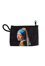 Wallet Girl with a pearl earring