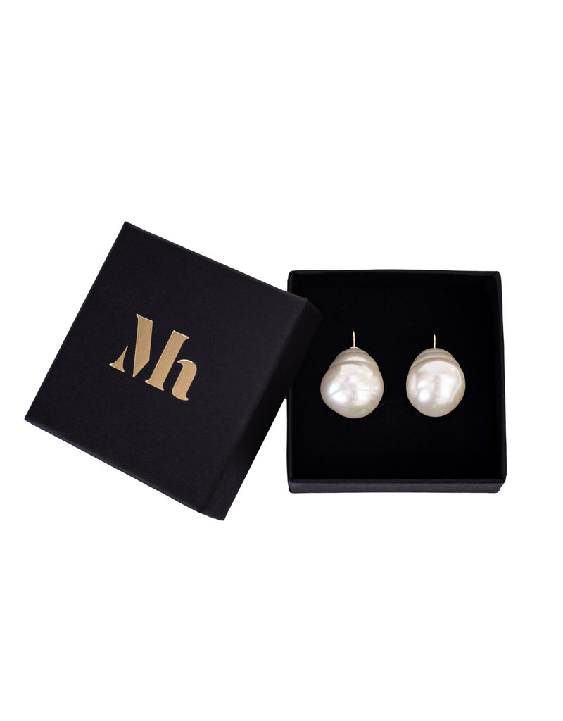 Baroque Earrings White (large)