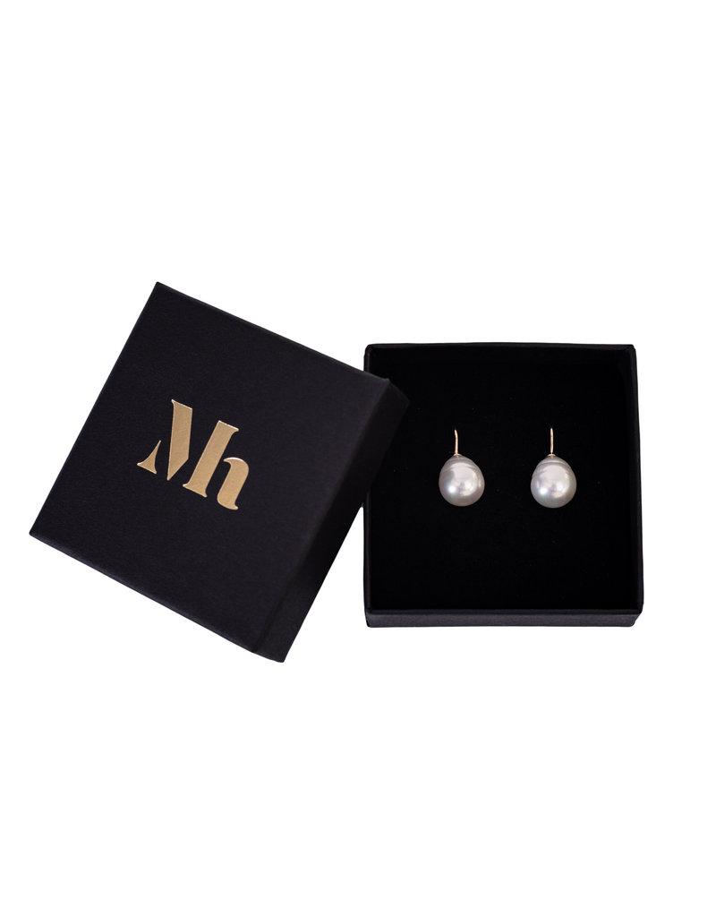 Baroque Earrings White (medium) gold coloured hooks - Copy