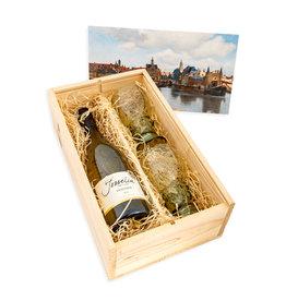Wijnkist met roemers Delft