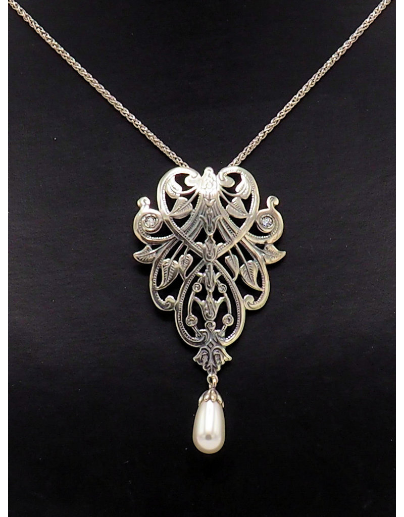Necklace Ornament and pearl