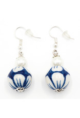 Delft Blue earrings with Pearl
