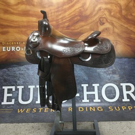 Bobs Custome saddles #Bob's avila Cowhorse flower tooled