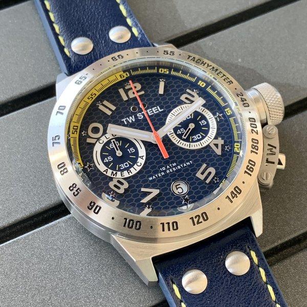 TW Steel TW Steel CS28-set Club America Chronograaf horloge 45mm + extra (gele) siliconen horlogeband