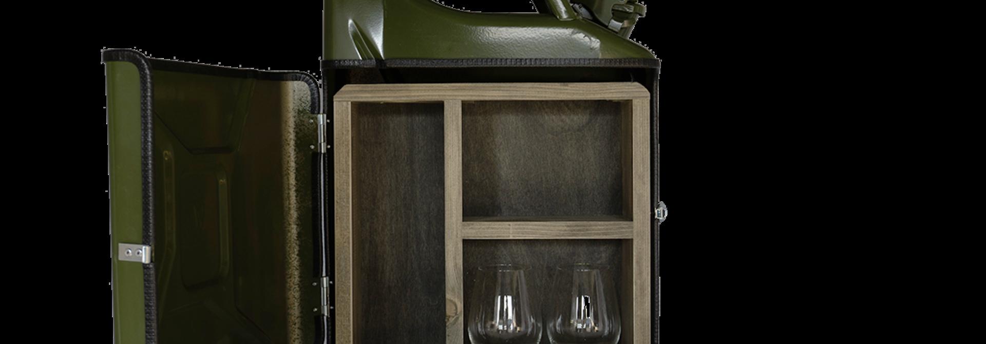Jerrycan gin bar