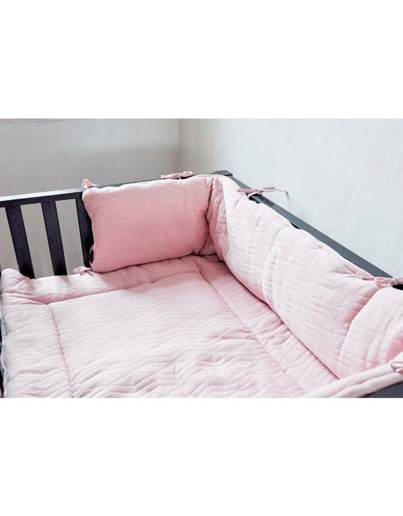 House Of Jamie House Of Jamie - Bed-Playpenbumper Light Geo Jacq Powder Pink