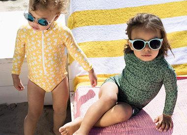 Zonnebrillen & hoedjes