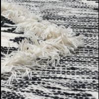 Vloerkleed wol grafisch zwart wit in 3 maten.