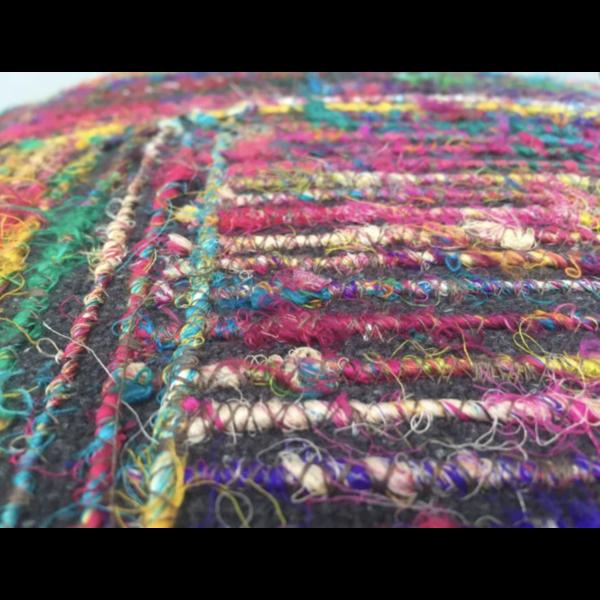 Poef (zacht) recycled Zijde in 2 kleuren