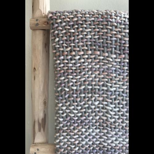 Plaid acryl grijs met poedertinten