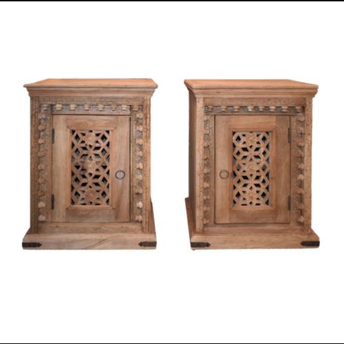 Oosters nachtkastje Yusra met houtsnijwerk