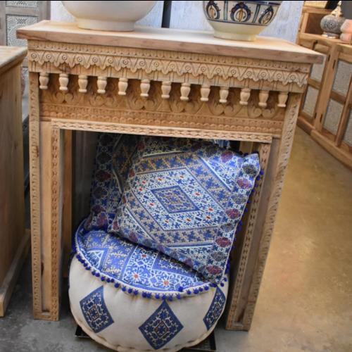 Oosterse side table Yusra met houtsnijwerk