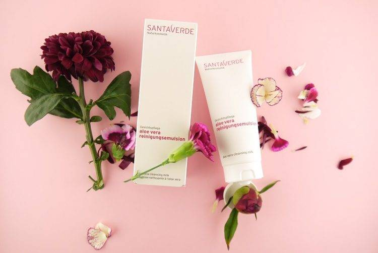 Review  Santaverde cleansing milk