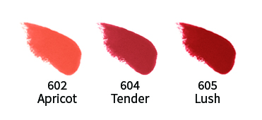 Uoga lip en cheek natuurlijke lipgloss en blush swatch
