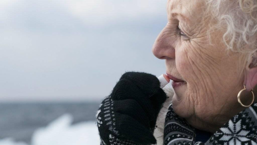 RTL nieuws: Buitenland Belgische consumentenbond waarschuwt voor schadelijke stoffen in lippenbalsem